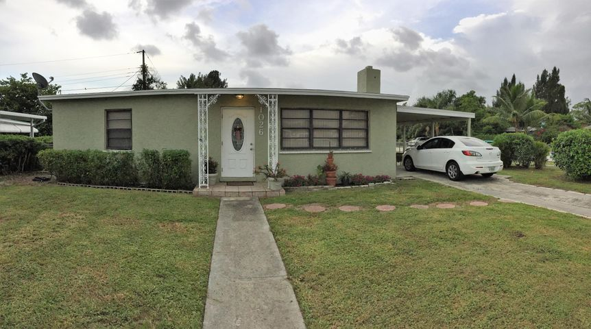 1026 Cherry Rd - CBS home that has been completely remodeled inside! Situated on large corner lot with carport & shed and fully fenced! Primary Image