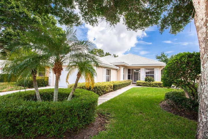 8530 E Garden Oaks Circle, Palm Beach Gardens, FL 33410