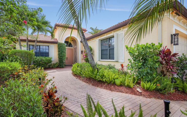 6724 Fox Hollow Drive, West Palm Beach, FL 33412