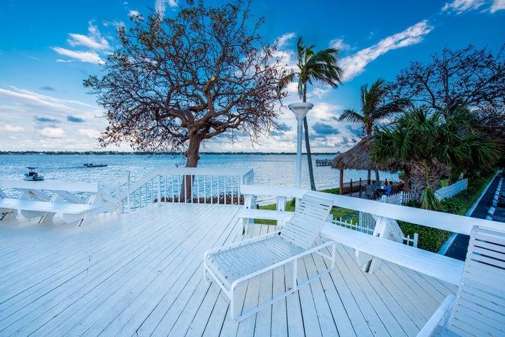 5600 N Flagler Drive, 2403, West Palm Beach, FL 33407