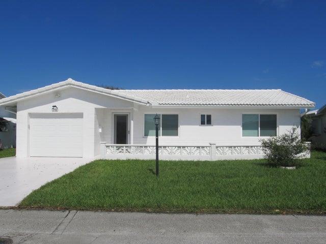 2102 SW 14th Place, Boynton Beach, FL 33426