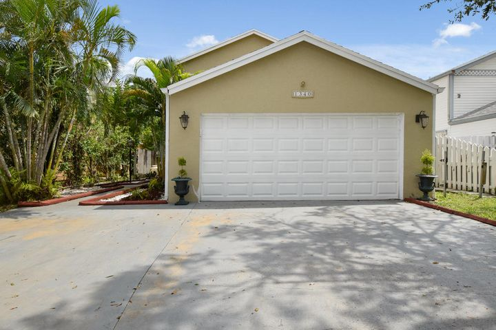 1340 Strawberry Lane, West Palm Beach, FL 33415