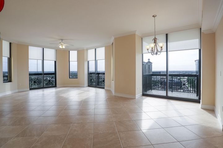 Corner Residence with SW Exposure & Open Floor Plan