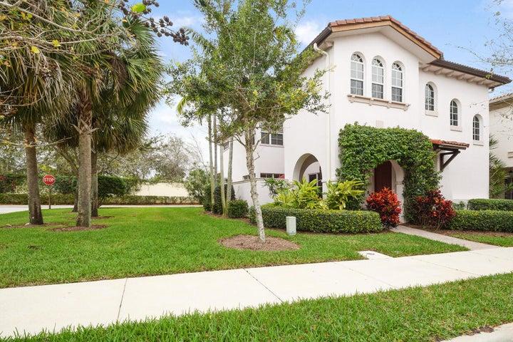 68 Stoney Drive, Palm Beach Gardens, FL 33410