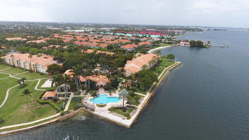 127 Yacht Club Way, 101, Hypoluxo, FL 33462