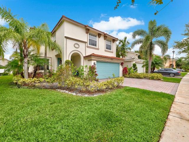 12000 SW Knightsbridge Lane, Port Saint Lucie, FL 34987