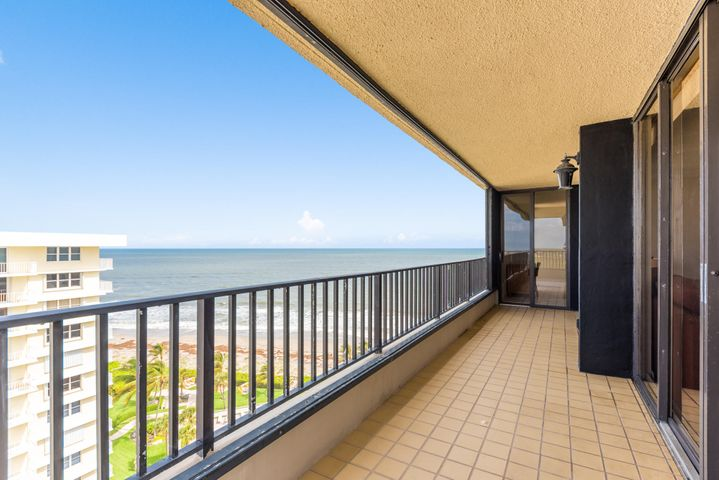 Wrap around Balcony view with Sunrise / Ocean Views