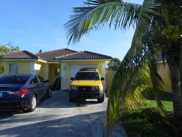 524 NW 11th Avenue, Boynton Beach, FL 33435