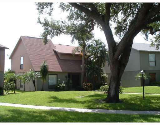 916 Sandtree Drive, Palm Beach Gardens, FL 33403