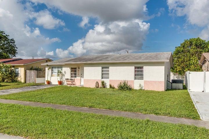 312 SW 80th Terrace, North Lauderdale, FL 33068
