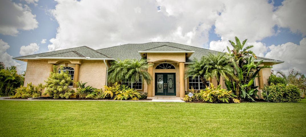 108 SW Lion Lane, Port Saint Lucie, FL 34953