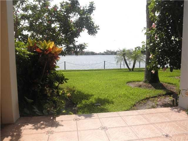 180 Yacht Club Way, 108, Hypoluxo, FL 33462