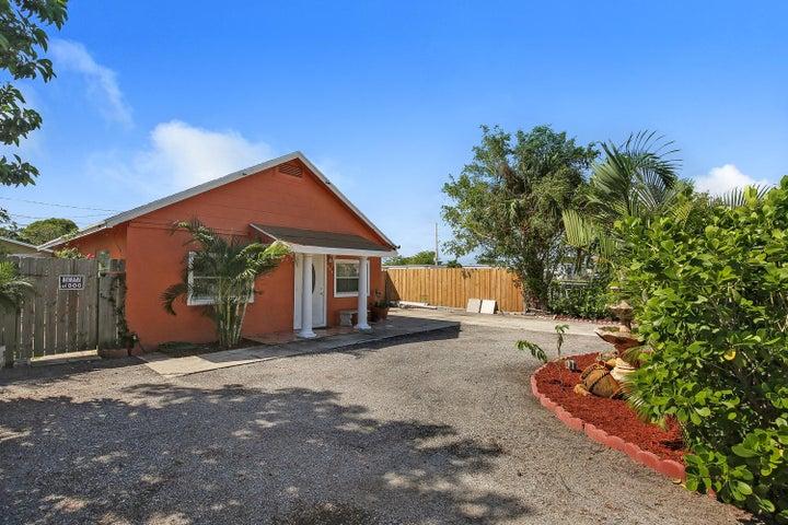 524 Revere Road, West Palm Beach, FL 33405
