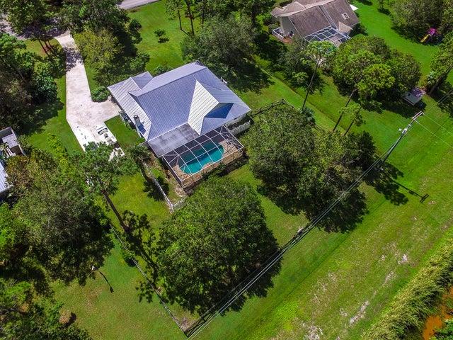 10604 Pine Cone Lane, Fort Pierce, FL 34945