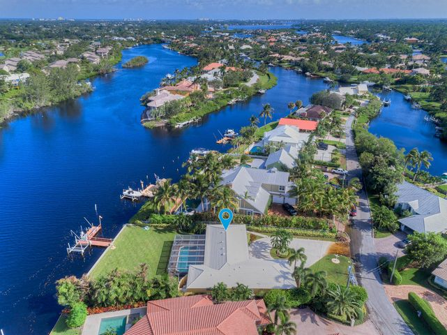 8577 SE Merritt Way, Jupiter, FL 33458