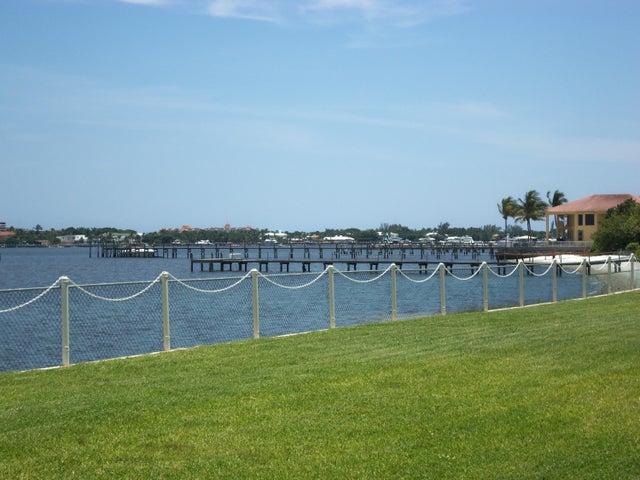 1516 S Lakeside Drive, 104, Lake Worth, FL 33460