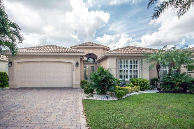 13268 Alhambra Lake Circle, Delray Beach, FL 33446
