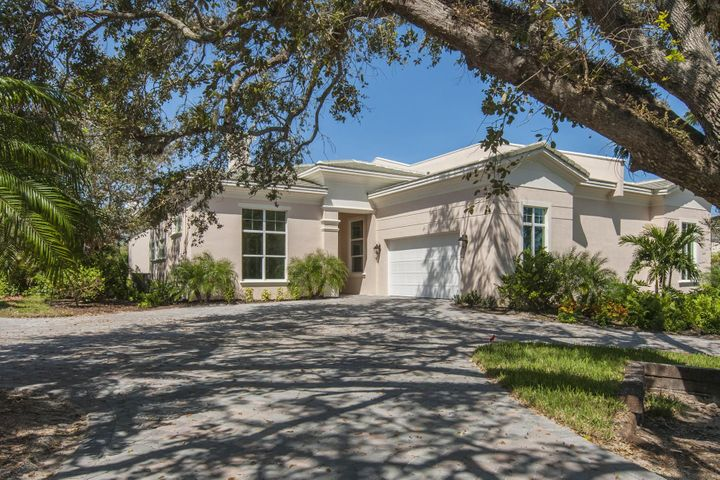 1612 Weybridge Circle, Vero Beach, FL 32963
