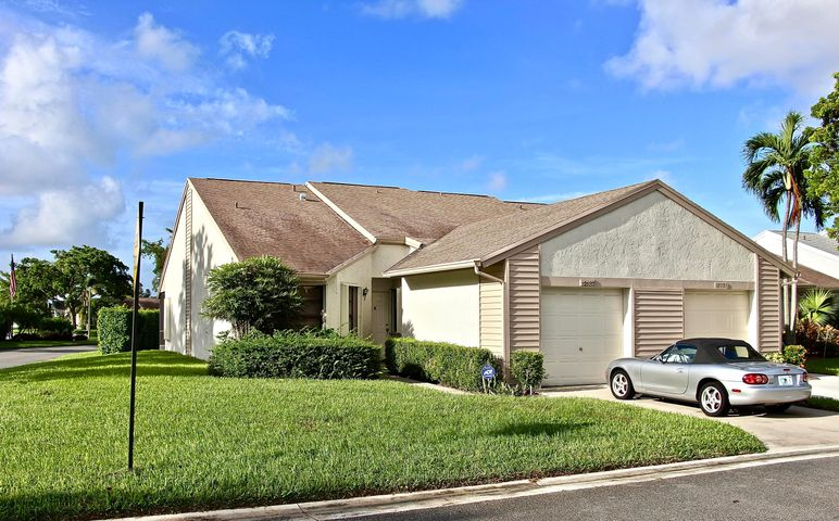 12137 Country Greens Boulevard, Boynton Beach, FL 33437