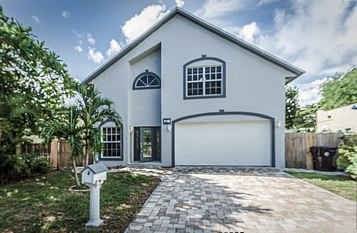 718 Fernwood Drive, West Palm Beach, FL 33405