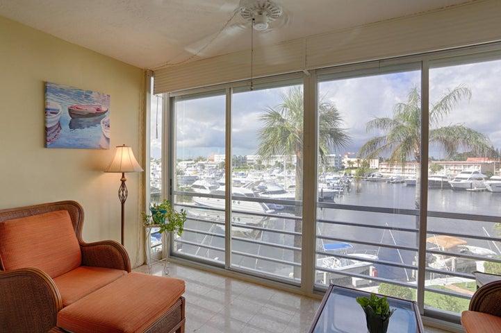 29 Yacht Club Drive, 307, North Palm Beach, FL 33408