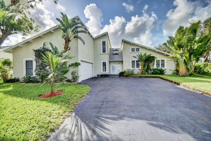 11480 Chipmunk Drive, Boca Raton, FL 33428