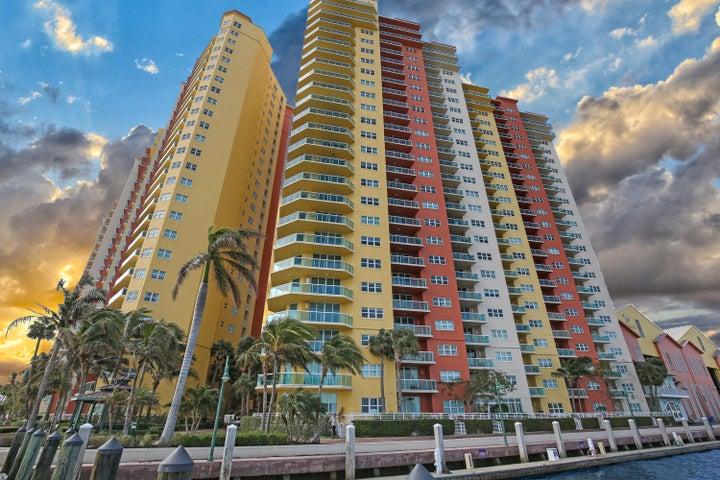 2650 Lake Shore Drive, 2003, Riviera Beach, FL 33404