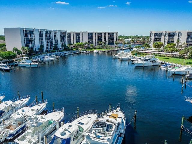 2677 N Ocean Boulevard, Th 17, Boca Raton, FL 33431