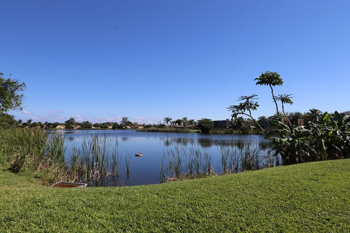 6103 Waterview Circle, Lake Worth, FL 33461