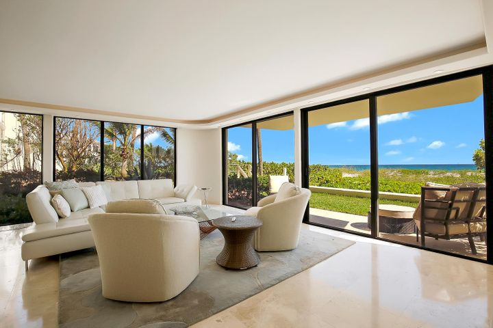 Large living room. Ocean views galore!