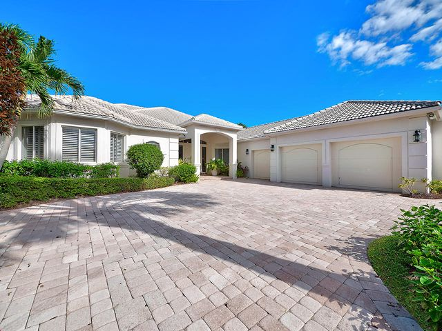 64 Saint James Drive, Palm Beach Gardens, FL 33418