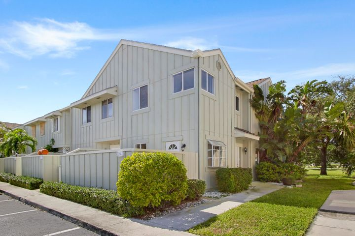 6214 Riverwalk Lane, 1, Jupiter, FL 33458