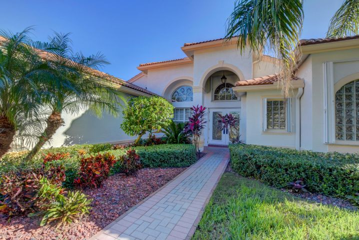 13149 Alhambra Lake Circle, Delray Beach, FL 33446