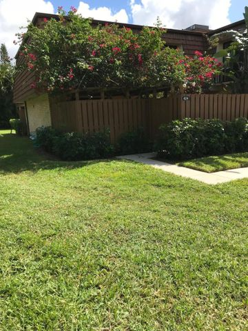 424 4th Lane, Lake Worth, FL 33463