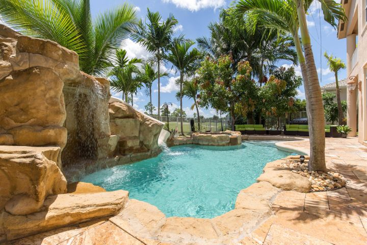 2301 Ridgewood Circle, West Palm Beach, FL 33411