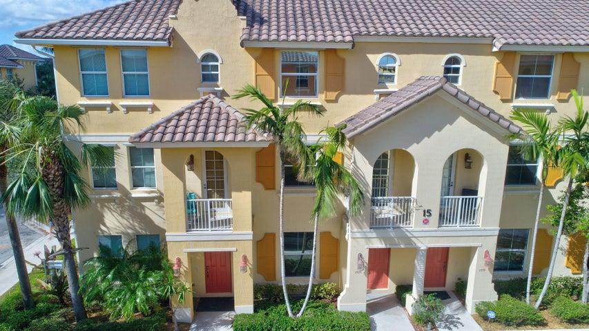 1520 Via De Pepi, Boynton Beach, FL 33426