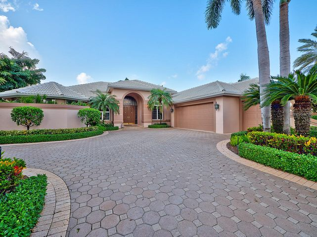 25 Saint James Drive, Palm Beach Gardens, FL 33418