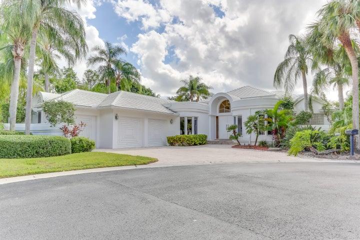 2 Sutton Drive, Boynton Beach, FL 33436