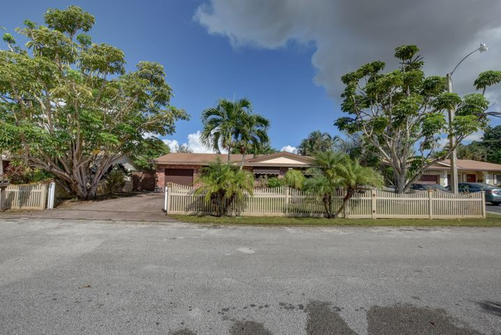 3131 NW 68th Court, Fort Lauderdale, FL 33309