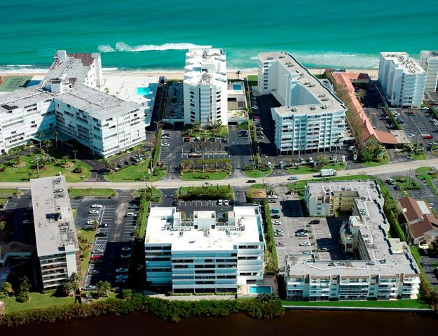3555 S Ocean Boulevard, 211, South Palm Beach, FL 33480