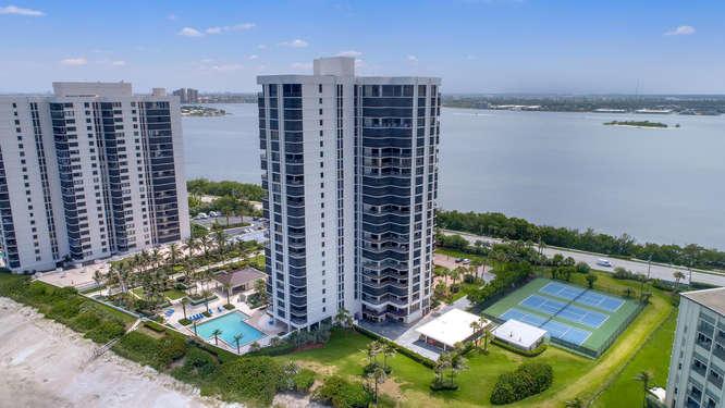 5380 N Ocean Drive, Ph 25j, Riviera Beach, FL 33404