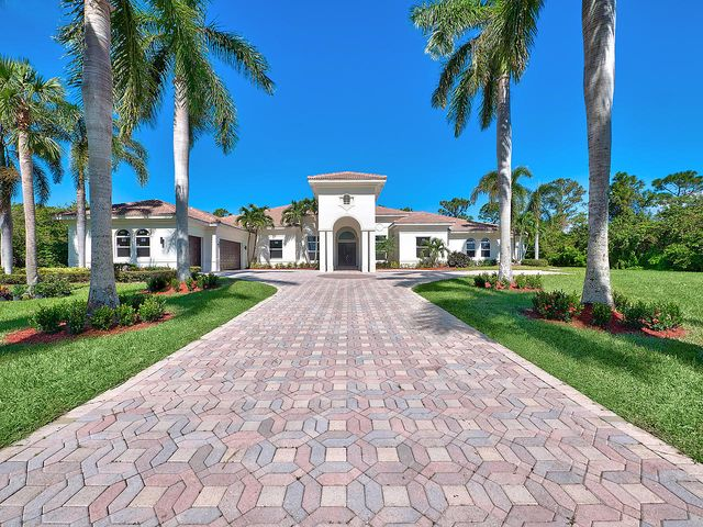 8245 SE Country Estates Way, Jupiter, FL 33458