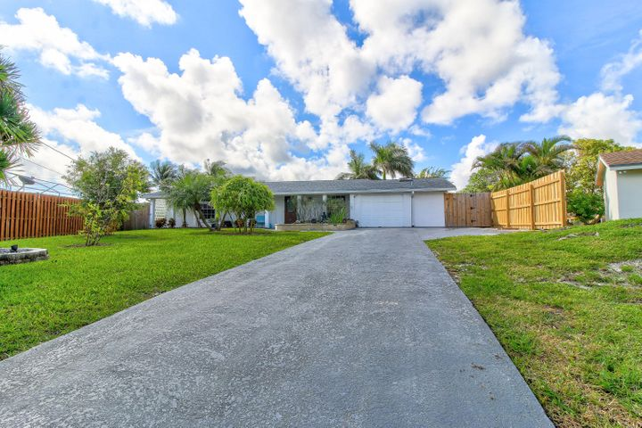 6933 Bayshore Drive, Lake Worth, FL 33462