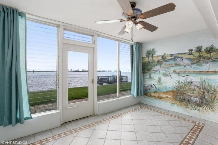 52 Yacht Club Drive, 104, North Palm Beach, FL 33408