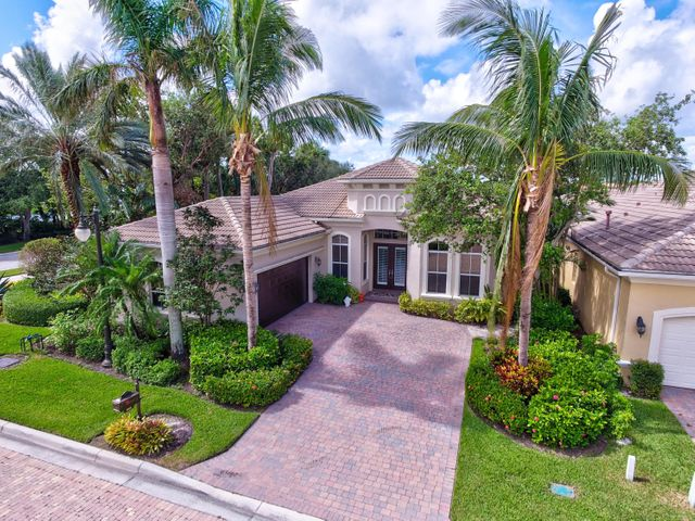 101 Dalena Way, Palm Beach Gardens, FL 33418