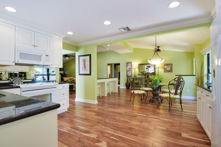 11348 Briarwood Place, North Palm Beach, FL 33408