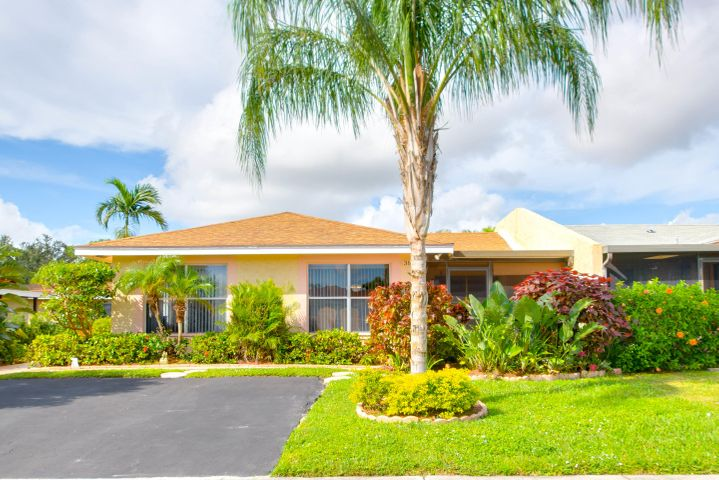 3845 Service Court, Lake Worth, FL 33467