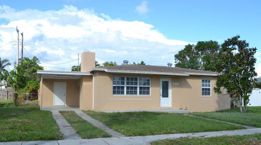 621 Dogwood Road, West Palm Beach, FL 33409