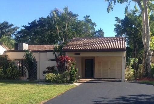 21896 Cypress Circle, 35-B, Boca Raton, FL 33433