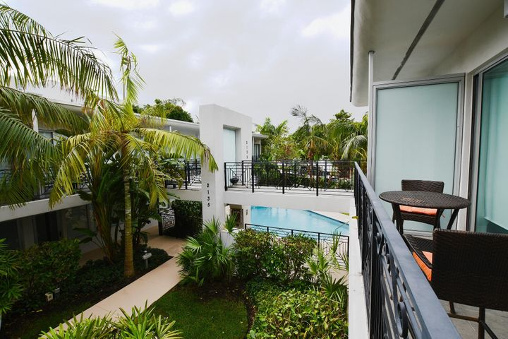 2135 Washington Ct Th3, Miami Beach, FL 33139